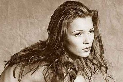 Pagan 19.000 euros por una foto de una joven y desnuda Kate Moss