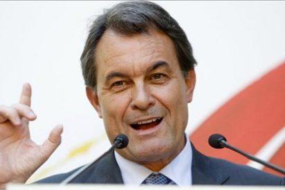 Mas se adelanta a Rajoy: rebaja sueldos y sube impuestos