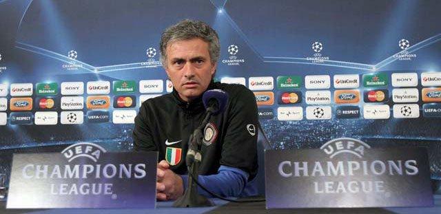 """Mourinho: """"Mi equipo no quiso hacer un partido feo ni bronco; por suerte existen las espinilleras de carbono"""""""
