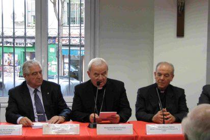 El nuncio rinde homenaje a los voluntarios de Cáritas