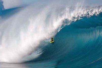 Récord Mundial: McNamara surfea sobre una ola de 30 metros