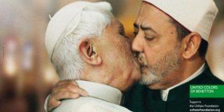 Benneton retira el anuncio en el que el Papa se besaba con un Imán