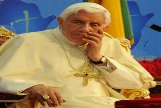 El Papa pide una respuesta médica para el SIDA y otra ética basada en la abstinencia y la fidelidad conyugal