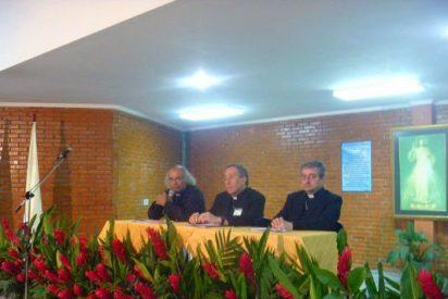 """Cardenal Maradiaga: """"No hay paz que crezca sobre el terreno de la mentira"""""""