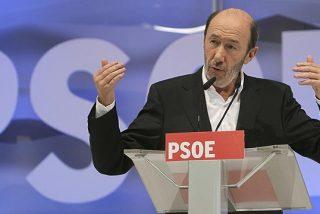 El PSOE insiste en rascar votos con 'el programa oculto de Rajoy'