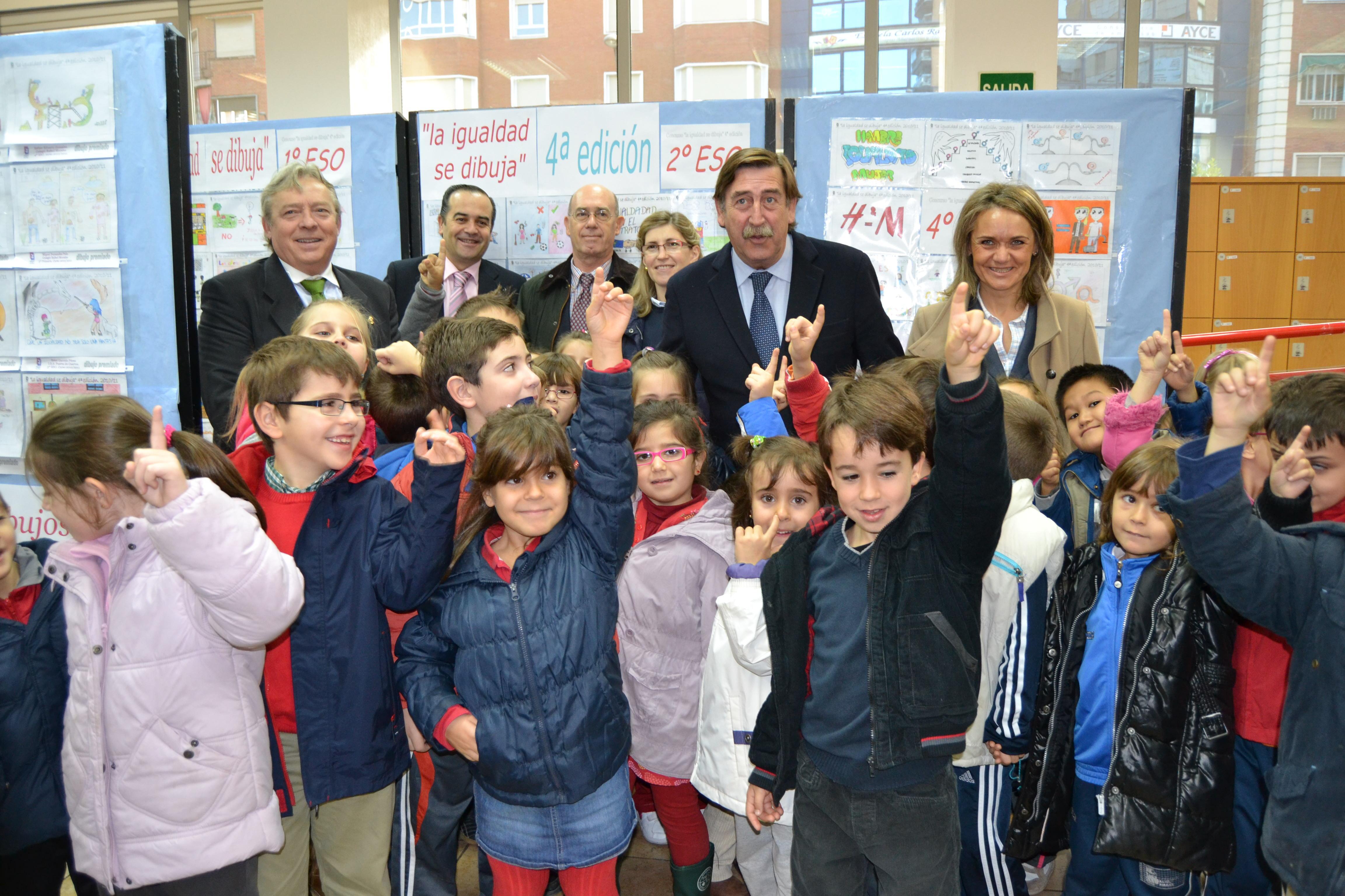 El alcalde aboga por la defensa de una sanidad y educación universal, pública y gratuita