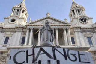 La Iglesia Anglicana negocia con los indignados
