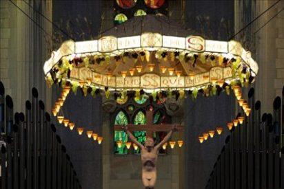 El cardenal Sistach revive la consagración de La Sagrada Família