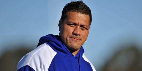 El seleccionador de Samoa paga 100 cerdas de multa por irse de fiesta