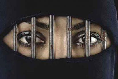 Los fanáticos de Arabia Saudí esconden a las mujeres de ojos bonitos