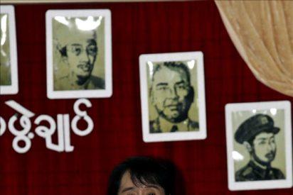 Suu Kyi podría presentarse a las elecciones