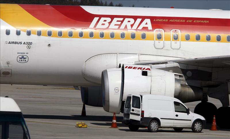 Iberia intenta frenar la huelga de pilotos prevista para Navidad
