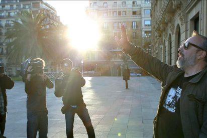 """De la Iglesia somete """"La chispa de la vida"""" a su sector más crítico en Bilbao"""