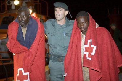 Detenidos 20 inmigrantes de dos pateras cuando llegaban a la costa almeriense