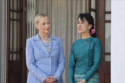 Clinton y Suu Kyi apoyarán al Gobierno birmano para que impulse las reformas
