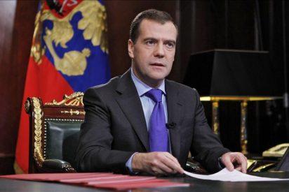 """Medvédev llama a los rusos a acudir a la urnas y a hacer la """"opción acertada"""""""