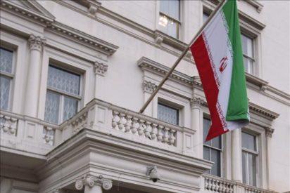 Los diplomáticos iraníes deben marcharse hoy del Reino Unido tras el ultimátum de Londres