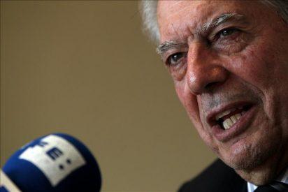 Vargas Llosa, Almudena Grandes y otros celebran el éxito de la FIL