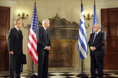 """Biden ofrece ayuda de EEUU a Grecia al tiempo que pide """"trabajo duro"""""""