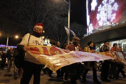 Un centenar de indignados se manifiestan ante la Audiencia de Barcelona