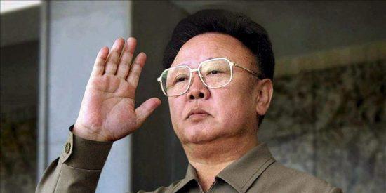 Fallece Kim Jong-il, el 'tiranosaurio' norcoreano, mientras viajaba en tren