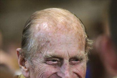 El duque de Edimburgo sigue hospitalizado tras ser operado del corazón
