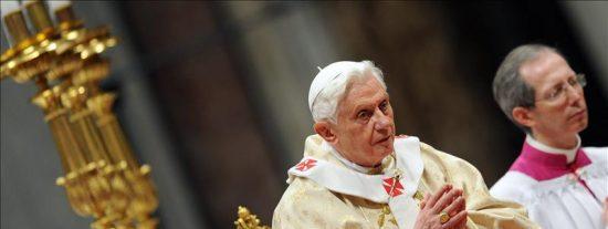 El Papa pide a Dios en la Misa de Gallo que muestre su poder y arroje a los opresores