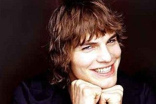 El bello Ashton Kutcher se olvida de Demi Moore con Lea Michele