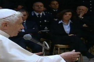 """El Papa pide que se trate """"con dignidad y justicia"""" a los presos en su visita a la cárcel de Rebibbia"""