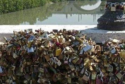 Roma quiere acabar con los 'candados del amor' del Puente Milvio