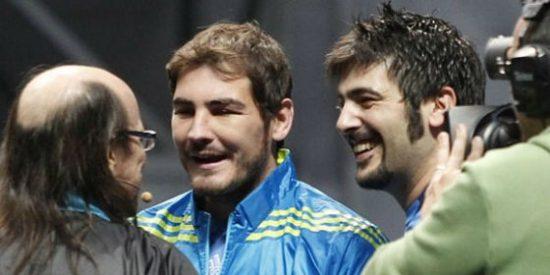 Iker Casillas se debate entre el amor, la ilusión y la alergia