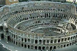 Se desprende un gran fragmento del Coliseo de Roma