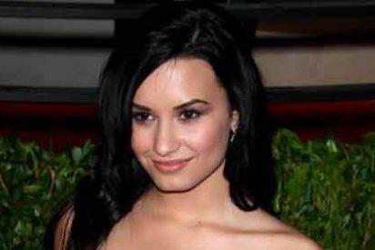 Demi Lovato se debate entre lo natural y la dulce inocencia