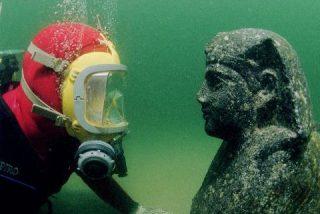 Recupera su cámara y sus fotos del fondo del mar gracias a Google+