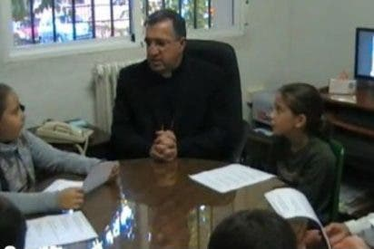El obispo de Guadix y sus 7 entrevistadores infantiles