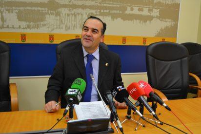 El Ayuntamiento se adapta a la ley para en 2012 pagar a proveedores en 40 días