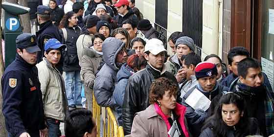 Los españoles piensan que conviven con más inmigrantes de los que hay en realidad