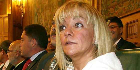 A pesar del escándalo… Isabel Carrasco sigue con sus doce sueldos
