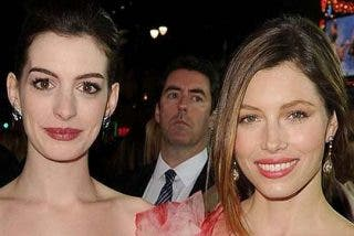 Guerra de egos: Anne Hathaway declara la guerra a Jessica Biel
