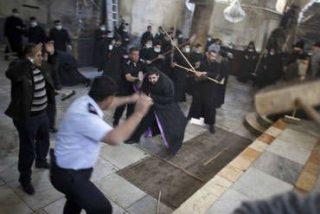 Pelea de clérigos en la iglesia de la Natividad en Belén 