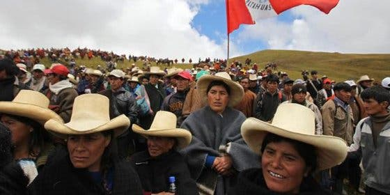 En Perú te casan por 10 dólares pero lo tienes que hacer en masa