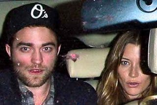 Robert Pattinson 'se lo monta' con una chica que no es Kristen Stewart
