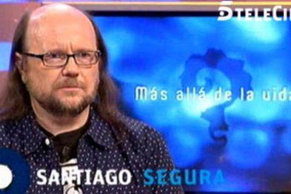 """Santiago Segura destapa lo que realmente es 'Más allá de la vida' y se ríe de la médium: """"No ha acertado ni una"""""""