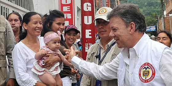 Los narcoterroristas de las FARC liberarán rehenes tras las protestas