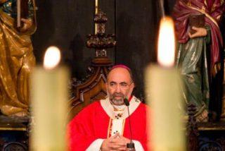 Sanz Montes clausura el Sínodo diocesano en una celebración litúrgica en la Catedral
