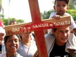 """33 obispos hispanos denuncian que a los inmigrantes """"se les trata como criminales"""""""