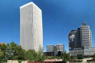 FCC vende Torre Picasso a Amancio Ortega por 400 millones