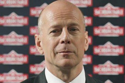 Bruce Willis se mete en jaleos por ayudar a la divorciada Demi Moore