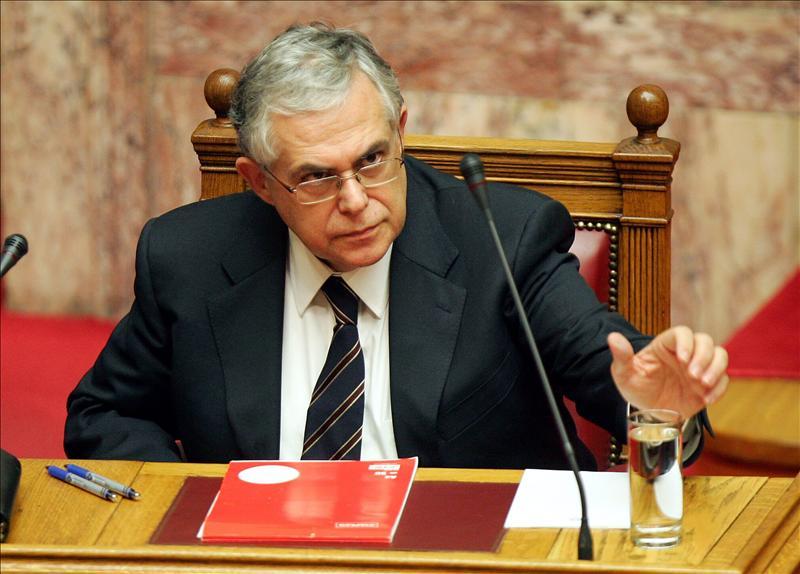 """El primer ministro griego dice que 2012 será difícil y los primeros tres meses, """"críticos"""""""