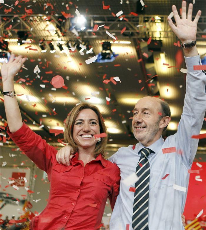 Los referentes del PSOE guardan silencio a un mes de elegir al nuevo líder